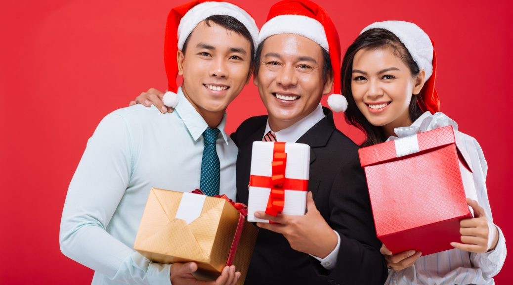 Amazing Christmas Gift Ideas for Your Employees in Singapore