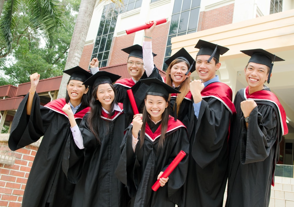 Why a Growing Number of Singaporean Graduates are Taking Their Talents to the Online Community